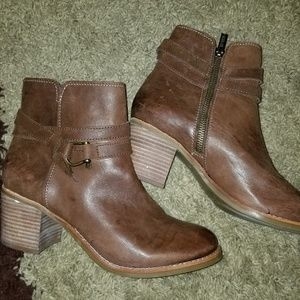 Sperry Leather booties size 8